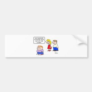el amigo imaginario salió del armario etiqueta de parachoque