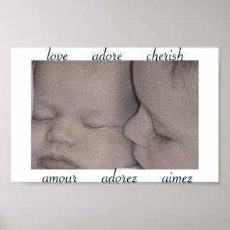 El amor adora acaricia posters