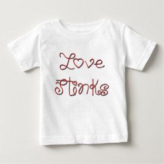 El amor apesta el texto rojo lindo tshirts