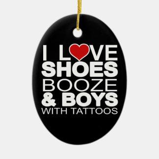 El amor calza a muchachos de los licores con los adorno ovalado de cerámica