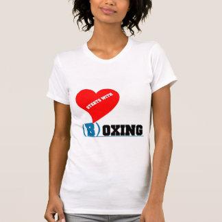 """El amor comienza con """"B"""" para encajonar Camisetas"""