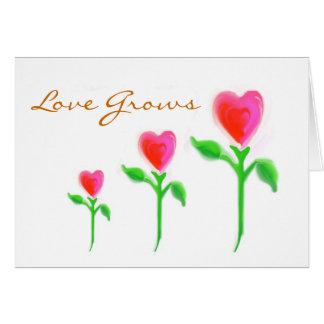 El amor crece la invitación tarjeta de felicitación