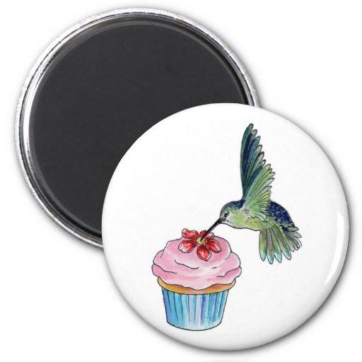 El amor de la magdalena del colibrí está en el air imán redondo 5 cm