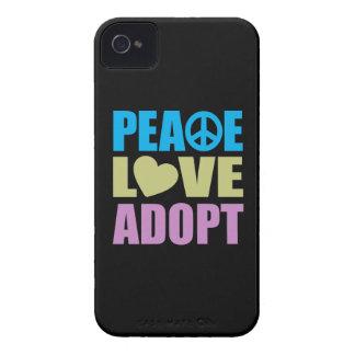 El amor de la paz adopta iPhone 4 Case-Mate cobertura