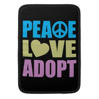 El amor de la paz adopta fundas para macbook air