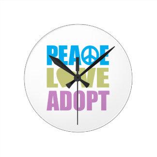 El amor de la paz adopta reloj
