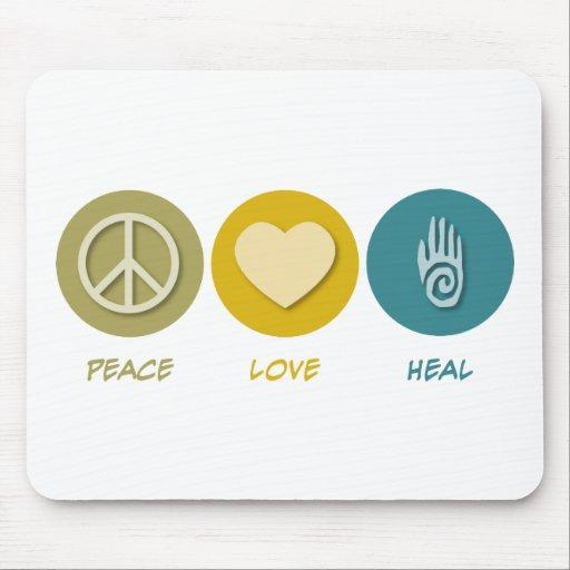 El amor de la paz cura alfombrillas de ratón