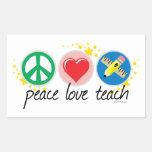 El amor de la paz enseña etiquetas