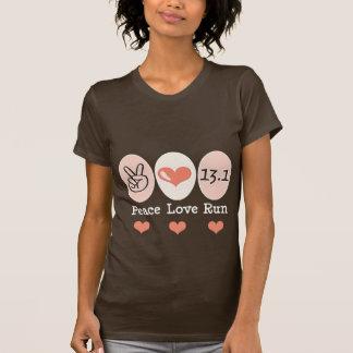 El amor de la paz funciona con la media camiseta