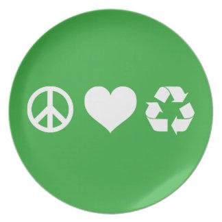 El amor de la paz recicla platos de comidas