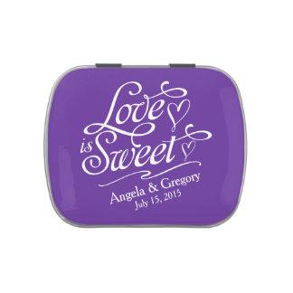El amor de la púrpura real es lata dulce del caram frascos de dulces