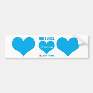 El amor del amor de la fuerza aérea está en el air pegatina de parachoque