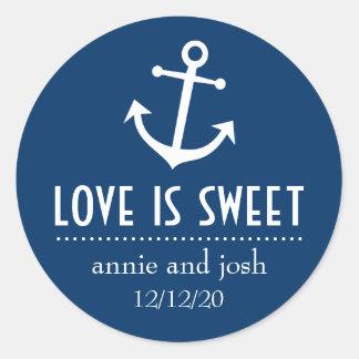 El amor del ancla del barco es las etiquetas pegatina redonda