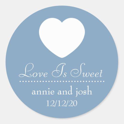 El amor del corazón es etiquetas dulces (el gris a pegatina redonda