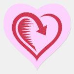 El amor del corazón es sello vuelto del sobre calcomania corazon