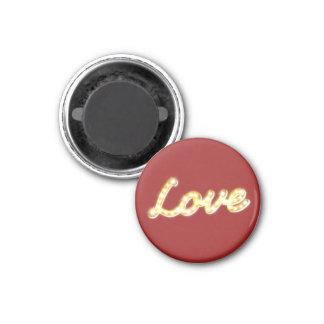 El amor en carpa enciende el imán rojo