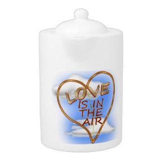 """El """"amor en forma de corazón está en el aire """""""