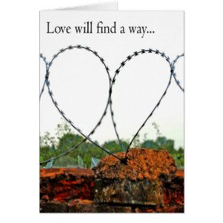 El amor encontrará una manera tarjeta de felicitación