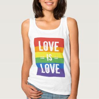 El amor es amor - ame la bandera del arco iris de playera de tirantes básica