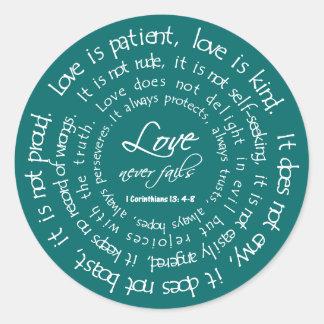 El amor es blanco paciente en el boda cristiano etiquetas redondas