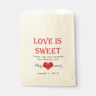 El amor es bolsos rojos y negros dulces del boda bolsa de papel