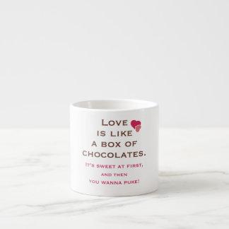 El amor es como una caja de chocolates taza espresso