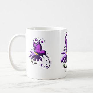 El amor es como una mariposa taza de café