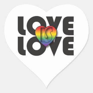 """El """"amor es corazón del arco iris del amor"""" pegatina en forma de corazón"""