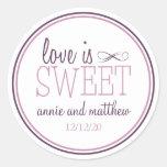 El amor es etiquetas dulces (ciruelo púrpura/la vi etiqueta redonda