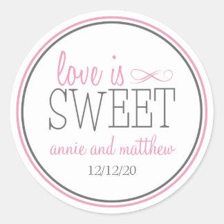 El amor es etiquetas dulces (rosa/el gris) etiquetas redondas