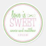 El amor es etiquetas dulces (rosa/la verde menta) etiquetas redondas
