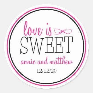 El amor es etiquetas dulces (rosas fuertes/el etiquetas redondas
