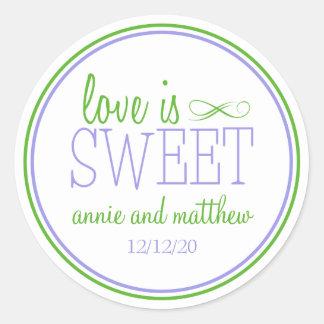 El amor es etiquetas dulces (violeta/la verde pegatinas redondas