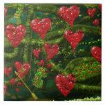 El amor es extraño - los corazones rojos en extrac azulejos