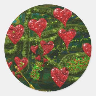 El amor es extraño - los corazones rojos en etiquetas redondas
