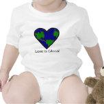 El amor es Glocal Camiseta