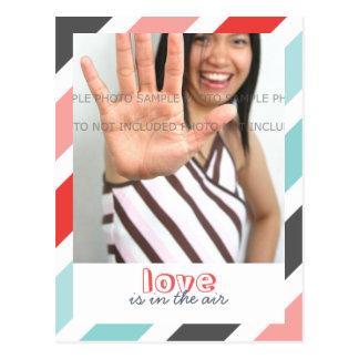 El amor es… Las rayas dulces confinan las postales