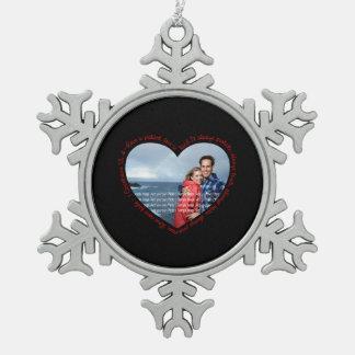 El amor es negro y rojo pacientes del corazón de l adorno de peltre en forma de copo de nieve