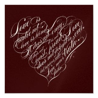El amor es paciente. corazón de la escritura del invitación 13,3 cm x 13,3cm