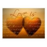 El amor es paciente; el amor es bueno postales