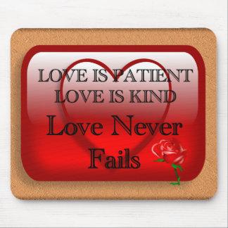 El amor es paciente tapete de ratones