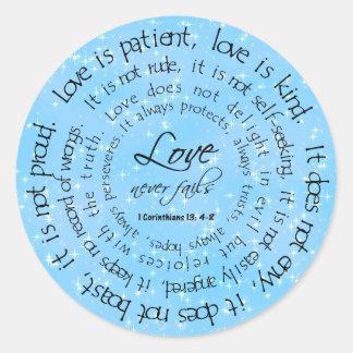 El amor es pegatina redondo azul del boda de las