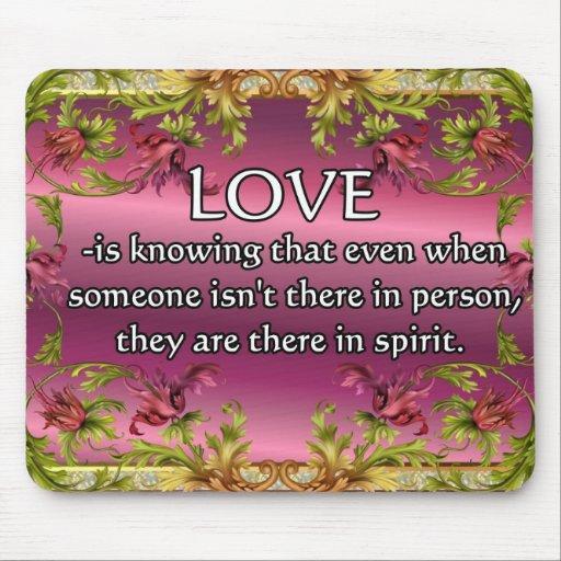 El amor es ..... poema en la parte posterior de la alfombrilla de ratones