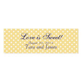El amor es puntos amarillos dulces que casan tarje plantillas de tarjetas personales