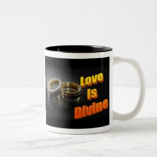 El amor es taza divina de dos tonos