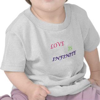 El amor es texto del infinito-color camiseta