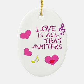 El amor es todo ese las materias adorno ovalado de cerámica