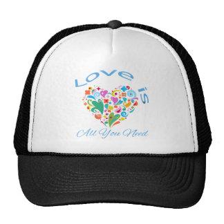 El amor es todo lo que usted necesita el corazón gorra