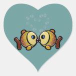 El amor es todo lo que usted necesita pegatina en forma de corazón