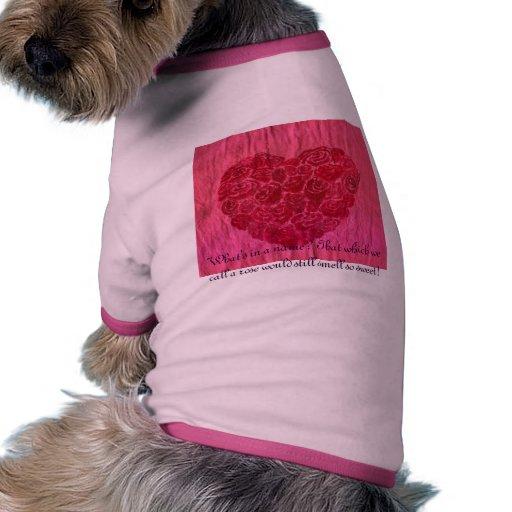 El amor es un color de rosa camiseta con mangas para perro